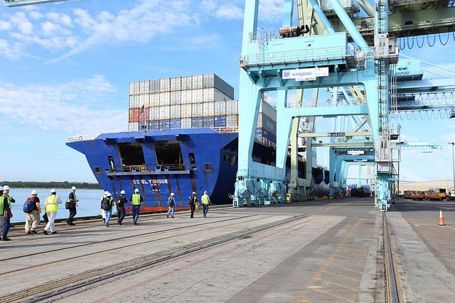 NTSB investigators about to board El Yunque (sister ship of El Faro) in Jacksonville.
