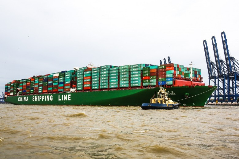 China Shipping Container Lines Company Limited (CSCL) revealed its plan to bareboat charter up to eleven 21,000 TEU containerships via its wholly-owned subsidiary as it pushes to boost its competitiveness and lower its carbon footprint.