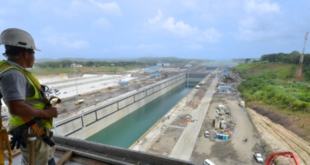 Panama-Canal-hapag-lloyd-image-620x330